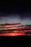 Overweldigende Ijslandse zonsondergang Stock Foto's