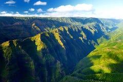 Overweldigende luchtmening van spectaculaire wildernissen, Kauai royalty-vrije stock afbeelding