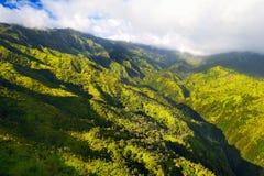 Overweldigende luchtmening van spectaculaire wildernissen, Kauai royalty-vrije stock foto's
