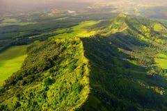 Overweldigende luchtmening van spectaculaire wildernissen, Kauai royalty-vrije stock fotografie