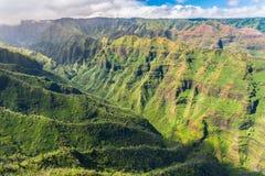 Overweldigende luchtmening van spectaculaire wildernissen, Kauai, Hawaï Stock Fotografie
