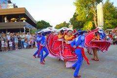 Overweldigende Mexicaanse dans Stock Foto's