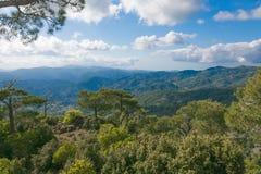 Overweldigende panoramische bergmening Stock Afbeelding