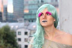 Overweldigende transsexueelvrouw die weg kijken royalty-vrije stock fotografie