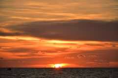 Overweldigende zonsondergangmening in Phu Quoc, Vietnam royalty-vrije stock fotografie