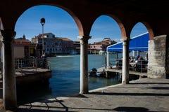Overwelfde galerij in Murano royalty-vrije stock fotografie