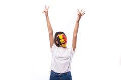 Overwinning, gelukkige en doelschreeuwemoties van Belgische voetbalventilator in spelsteun van het nationale team van België op w Royalty-vrije Stock Afbeelding