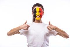 Overwinning, gelukkige en doelschreeuwemoties van Belgische voetbalventilator in spelsteun van het nationale team van België op w Stock Afbeelding