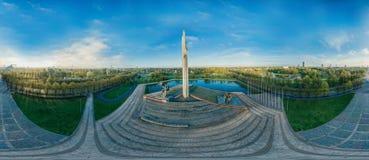 Overwinningsmonument in stad 360 van Riga VR-Hommelbeeld voor Virtuele werkelijkheid, Panorama Royalty-vrije Stock Fotografie