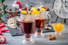 Overwogen wijn en dessert Royalty-vrije Stock Foto