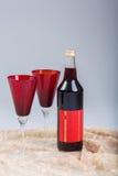 Overwogen wijn met glazen Stock Afbeelding