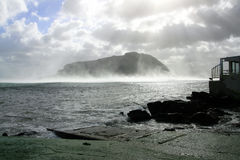 Overzees & de bergpanorama van de winter Stock Foto's