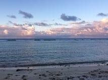 Overzees bij strand Royalty-vrije Stock Fotografie