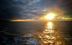 Overzees bij zonsondergang Royalty-vrije Stock Foto