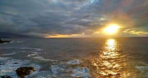 Overzees bij zonsondergang Royalty-vrije Stock Afbeelding