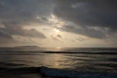 Overzees bij zonsopgang Stock Foto's