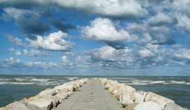 Overzees en wolken Stock Afbeeldingen