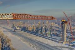 Overzees kanaal en ladingshaven, heilige-Petersburg, Rusland, de winter, t royalty-vrije stock afbeeldingen