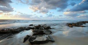 Overzees landschap, zonsondergang Royalty-vrije Stock Afbeelding