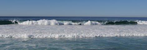 Overzees - oceaangolf stock afbeeldingen