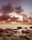 Overzees op zonsondergang Stock Foto's