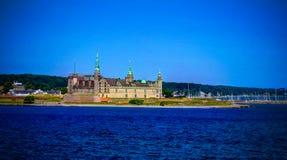 Overzees panorama van Kronborg-kasteel, Helsingor, Denemarken royalty-vrije stock foto's