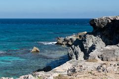 Overzees, rotsen, Eiland Isla Mujeres mexico stock afbeelding