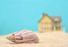 Overzees Shell en het Huis van het Strand Royalty-vrije Stock Foto's