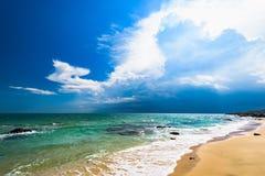Overzees strand zuiver zand royalty-vrije stock afbeeldingen