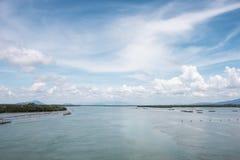 Overzees van Hemel en mooie stranden royalty-vrije stock foto's