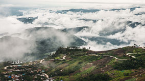 Overzees van mist in Phu Thap Boek Stock Afbeelding