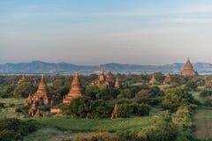Overzees van pagoden in Bagan, Myanmar Stock Foto's
