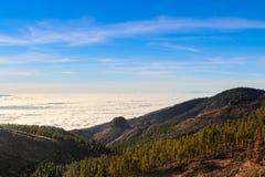 Overzees van wolken in Tenerife stock afbeelding