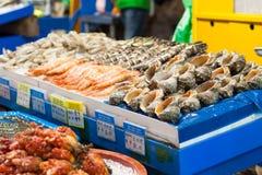 Overzees voedsel bij vissenmarkt, Seoel Royalty-vrije Stock Fotografie