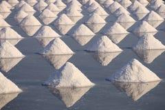 Overzees zout in een pan Royalty-vrije Stock Foto
