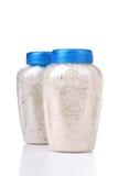 Overzees zout in een plastic pot Stock Afbeeldingen