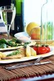 Overzeese Brasem & salade Stock Afbeeldingen