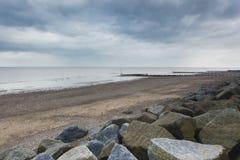 Overzeese defensie bij Withernsea-Strand Stock Fotografie