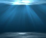 Overzeese diepe of Onderwaterscèneachtergrond met zonlicht Royalty-vrije Stock Fotografie