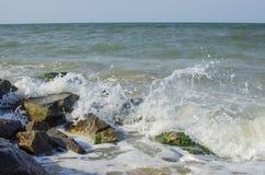 Overzeese golf op zee in de zomer Stock Foto's
