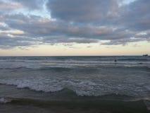 Overzeese golven Alicante Spanje Royalty-vrije Stock Foto's