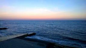 Overzeese horizon en zonsondergang Royalty-vrije Stock Fotografie