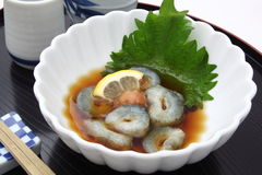 Overzeese komkommer met azijn, Japans voedsel met het Belang van de rijstwijn stock afbeelding