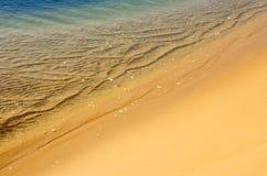 Overzeese kust Mening van hierboven Royalty-vrije Stock Foto's
