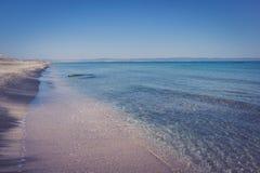 Overzeese kust van Bulgarije, textuur zwart zand op het concept een kustvakantie, achtergrond, natuurlijke achtergrond Royalty-vrije Stock Fotografie