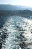 Overzeese mening van boot. stock afbeelding