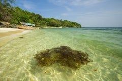Overzeese Strand en Vakantie in Eiland Munklang Stock Afbeeldingen