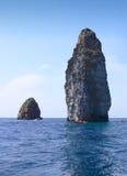 Overzeese van Sicilië Rotsen Stock Afbeeldingen