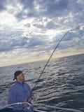 Overzeese visserij van boot stock afbeeldingen
