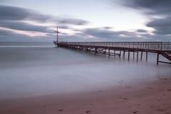 Overzeese zonsondergang bij de kust van de Zwarte Zee Royalty-vrije Stock Fotografie